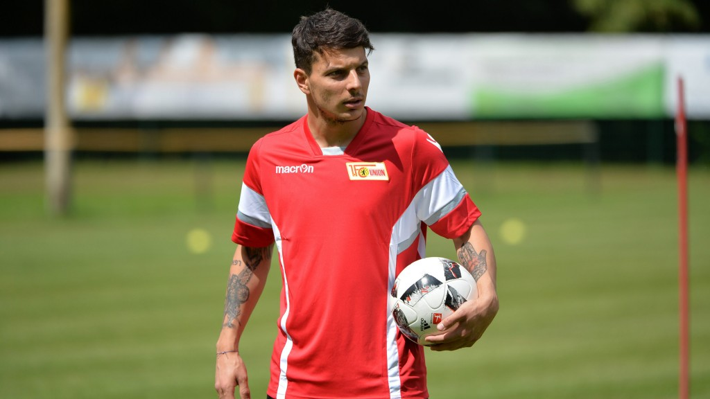 l'attaccante austriaco Hosiner